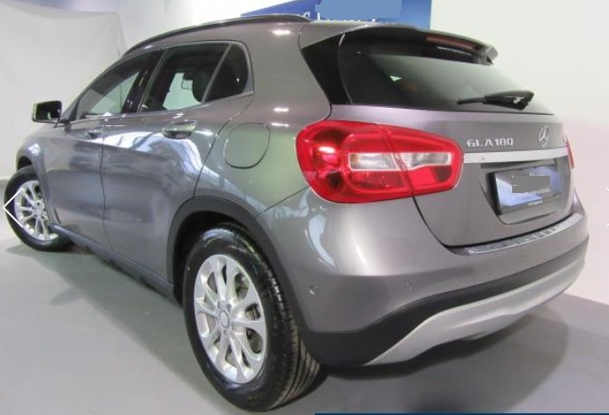 MERCEDES GLA (06/2015) - GREY METALLIC - lieu: