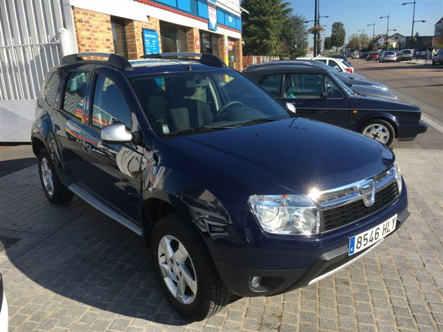 DACIA DUSTER (10/2012) - BLUE - lieu: