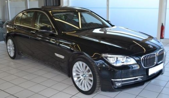 lhd BMW 7 SERIES (04/2015) - BLACK METALLIC - lieu: