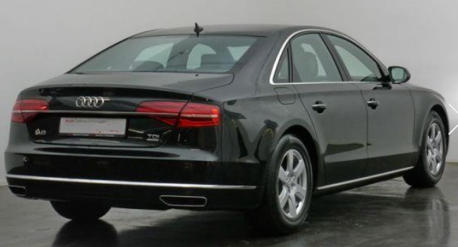 AUDI A8 (01/2015) - BLACK METALLIC - lieu: