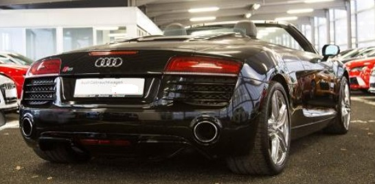 AUDI R8 (06/2015) - BLACK METALLIC - lieu: