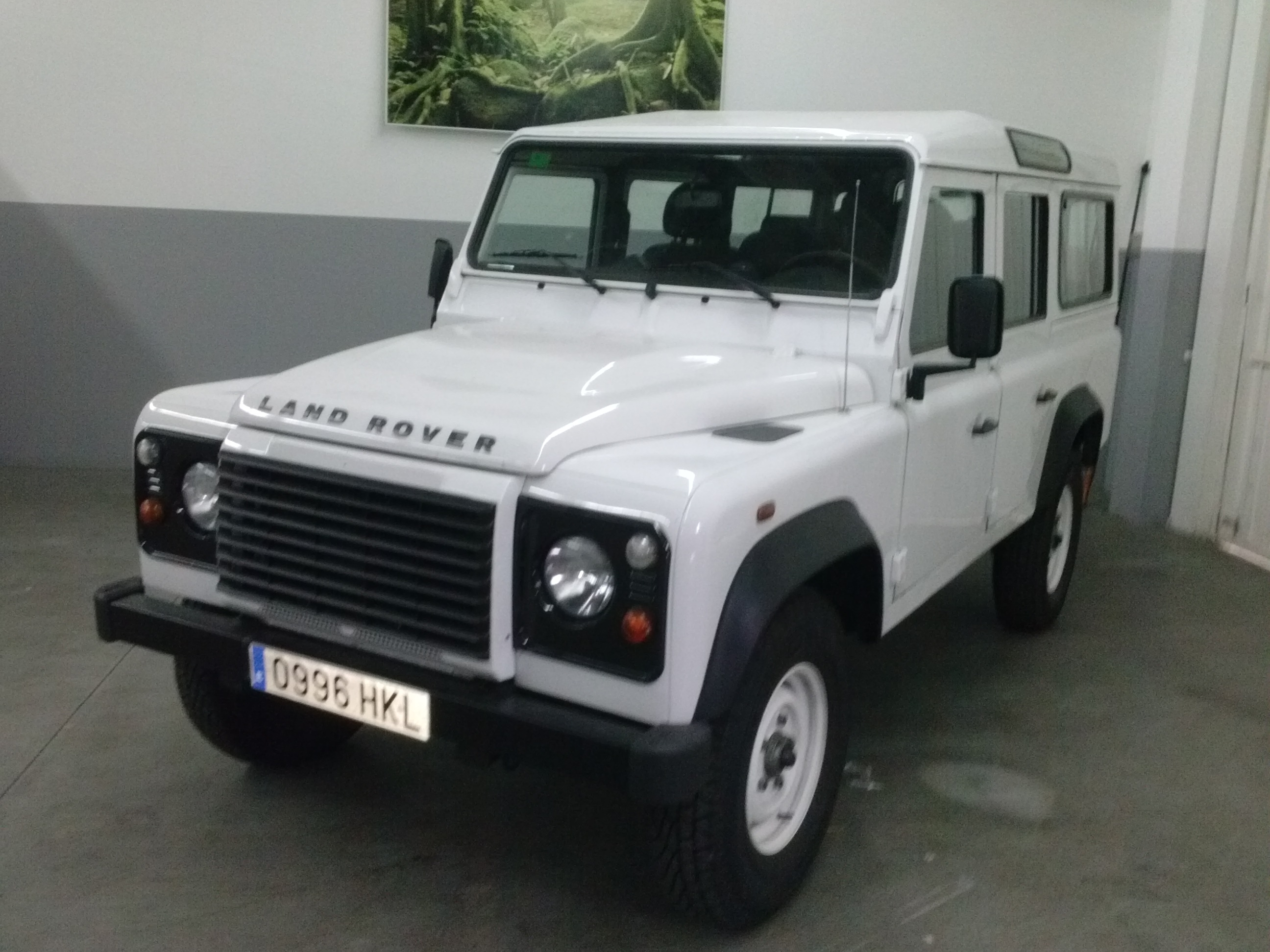 LANDROVER DEFENDER 110 7 SEATS SPANISH REG