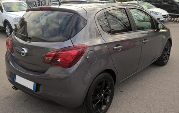 OPEL CORSA (03/2015) - GREY METALLIC - lieu: