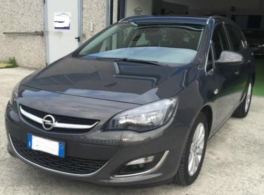 OPEL ASTRA (03/2015) - GREY METALLIC - lieu: