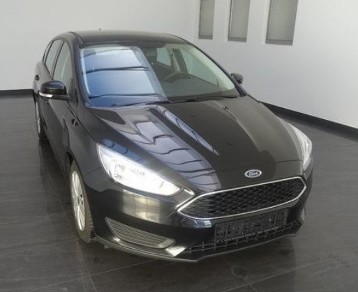 lhd FORD FOCUS (06/2015) - BLACK METALLIC - lieu: