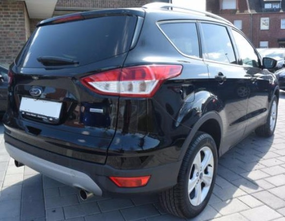 FORD KUGA (11/2015) - BLACK METALLIC - lieu: