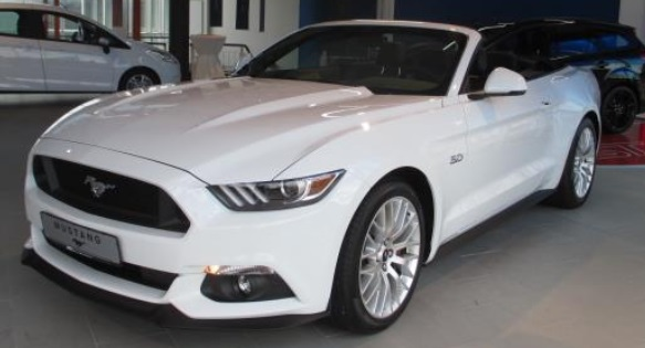 lhd FORD MUSTANG (04/2016) - WHITE METALLIC - lieu: