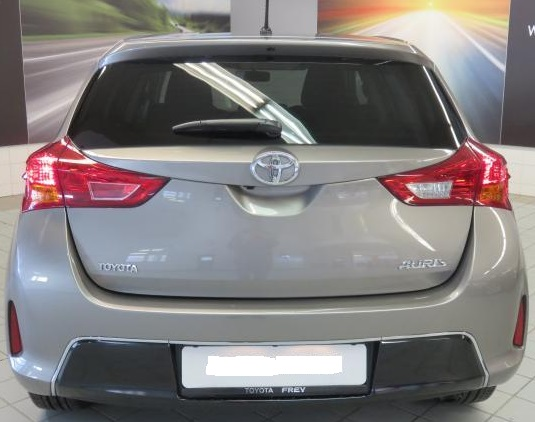TOYOTA AURIS (03/2015) - BROWN METALLIC - lieu:
