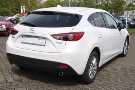 MAZDA 3 (07/2015) - WHITE METALLIC - lieu: