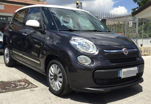 lhd FIAT 500L (04/2015) - DARK GREY METALLIC - lieu: