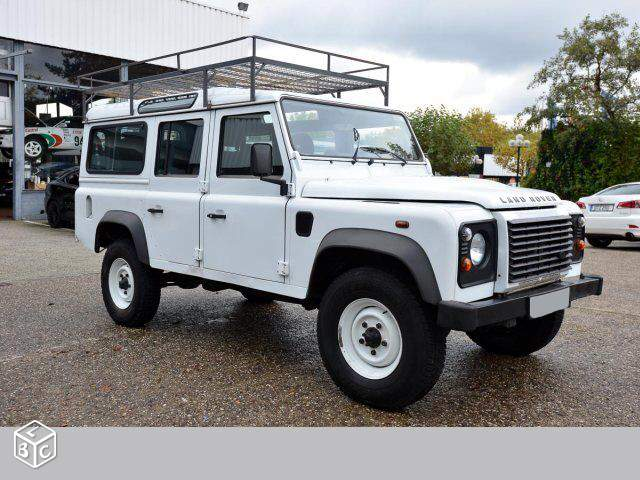 LANDROVER DEFENDER 110 SEVEN SEATS FRENCH REG