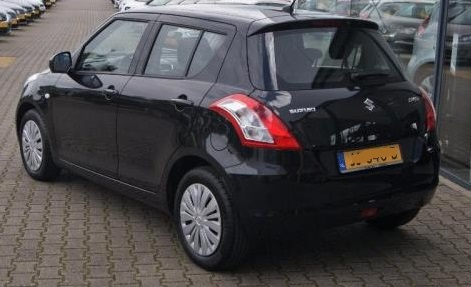 SUZUKI SWIFT (07/2015) - BLACK METALLIC - lieu: