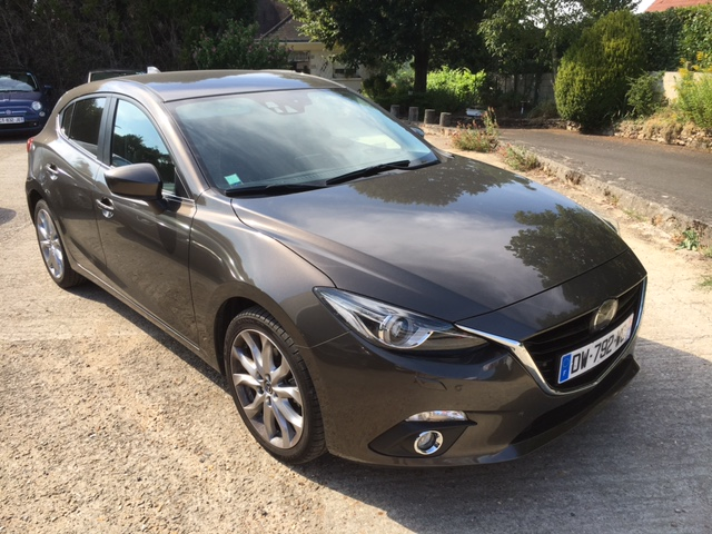 Left hand drive MAZDA 3 III 2.2 SKYACTIV-D 150 SELECTION