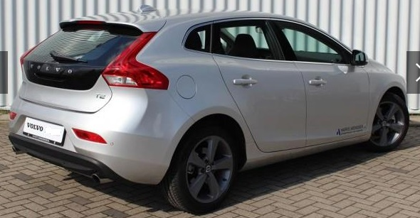 VOLVO V40 (03/2015) - GREY METALLIC - lieu: