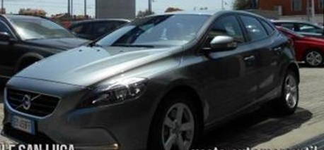 VOLVO V40 D3 Geartronic Kinetic