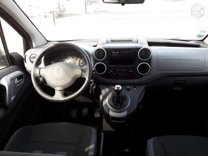 CITROEN BERLINGO (10/2011) - DARK BLUE - lieu: