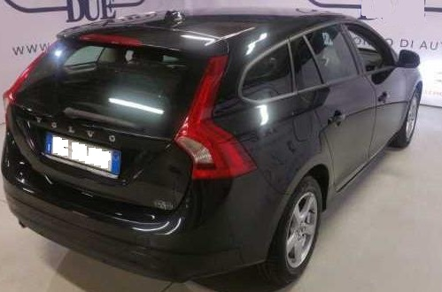 VOLVO V60 (05/2015) - BLACK METALLIC - lieu: