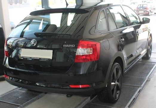 SKODA RAPID (06/2015) - BLACK METALLIC - lieu: