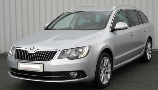 lhd SKODA SUPERB (08/2015) - SILVER METALLIC - lieu: