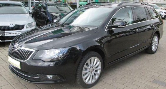 lhd SKODA SUPERB (01/2015) - BLACK METALLIC - lieu: