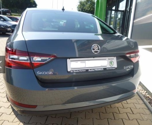 Lhd SKODA SUPERB (12/2015) - GREY METALLIC - lieu: