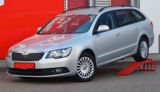 SKODA SUPERB Combi 1.4 TSI AAC PDC NSW Temp.
