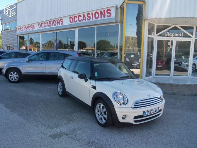 Left hand drive MINI CLUBMAN 1.6 CLUBMAN FRENCH REG AUTO