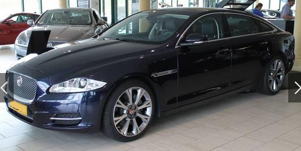 JAGUAR XJ (01/2015) - BLUE - lieu:
