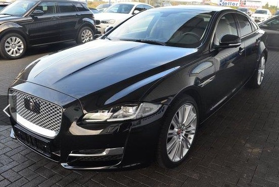 lhd JAGUAR XJ (02/2016) - BLACK METALLIC - lieu: