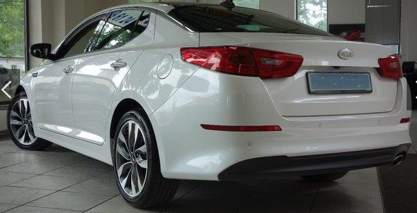 KIA OPTIMA (03/2015) - WHITE METALLIC - lieu: