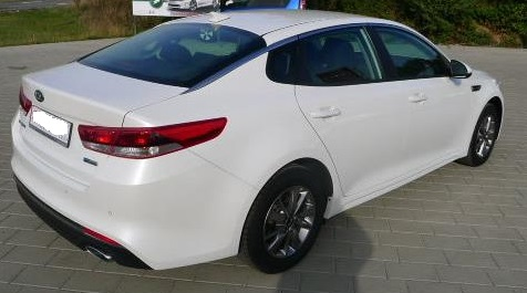 KIA OPTIMA (02/2016) - WHITE METALLIC - lieu: