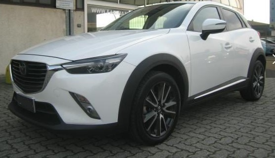 lhd MAZDA CX-3 (12/2015) - WHITE METALLIC - lieu: