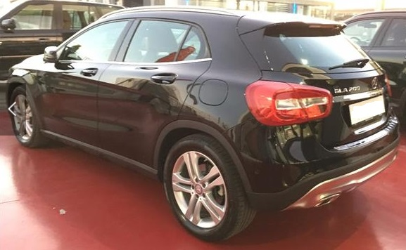 MERCEDES GLA (05/2015) - BLACK METALLIC - lieu: