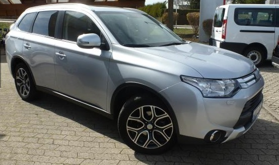 MITSUBISHI OUTLANDER 2.2 DI-D TOP AT NAVI LEDER