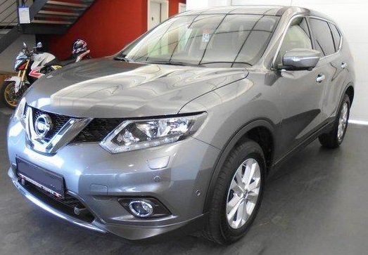 Lhd NISSAN X TRAIL (07/2015) - GREY METALLIC - lieu: