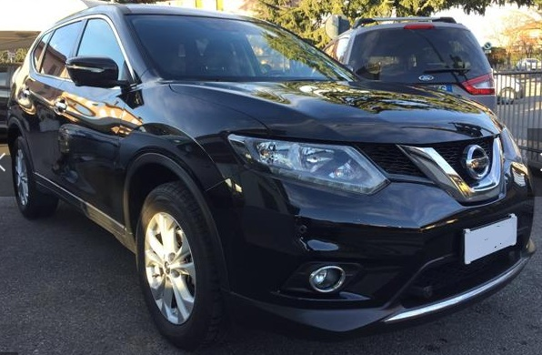 lhd NISSAN X TRAIL (04/2015) - BLACK METALLIC - lieu: