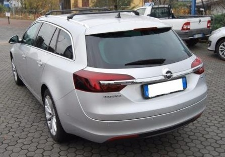 Left hand drive OPEL INSIGNIA 2.0 CDTI Sports Tourer Cosmo