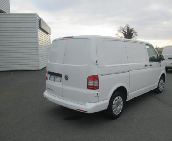 lhd car VOLKSWAGEN MULTIVAN (06/2015) - WHITE