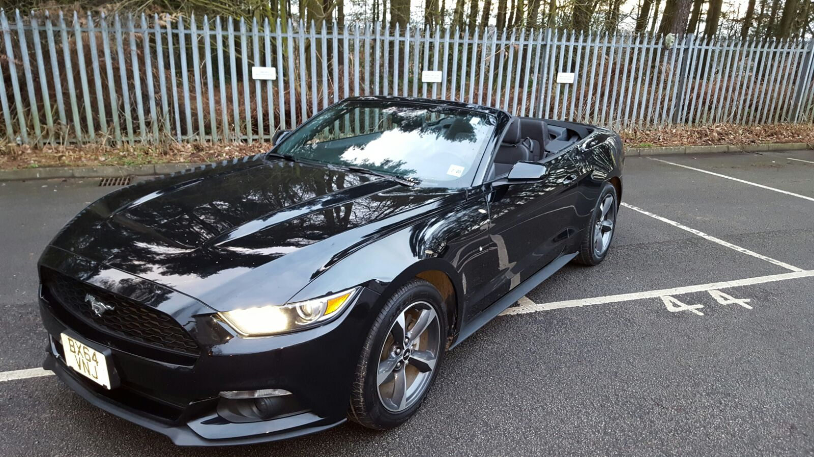 Left hand drive FORD MUSTANG 3.7 CABRIOLET UK REG