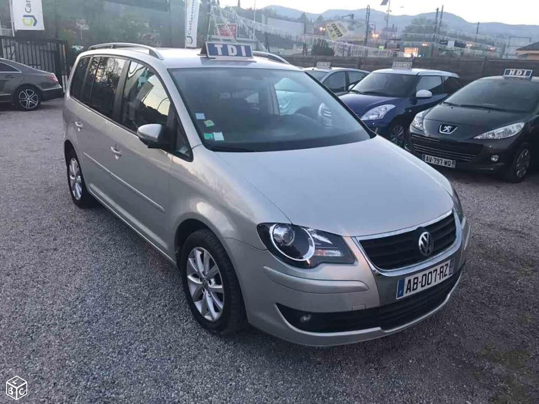 Left hand drive VOLKSWAGEN TOURAN 2 1.9 TDI 105 CV 7 SEATS FRENCH REG