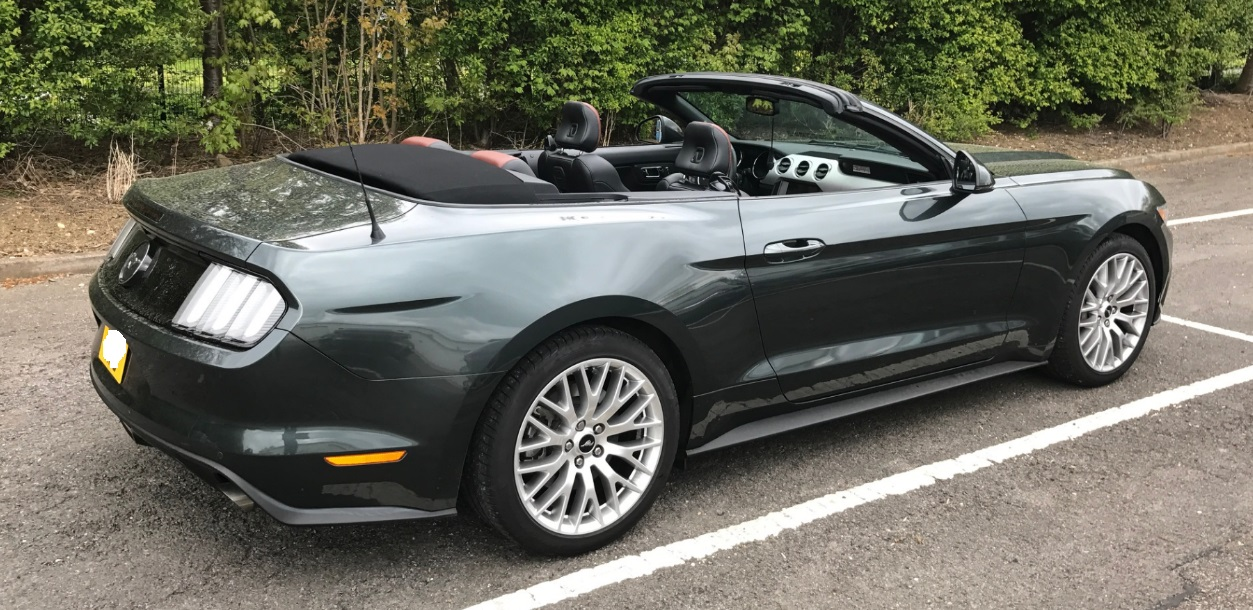 Left hand drive FORD MUSTANG 2.3 CABRIOLET