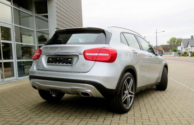 MERCEDES GLA (04/2014) - GREY - lieu: