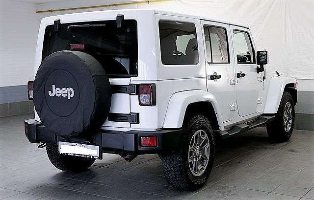 Left hand drive JEEP WRANGLER 2.8 CRDI SAHARA UNLIMITED