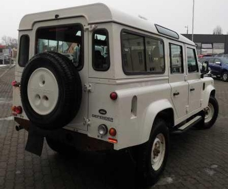 Left hand drive LANDROVER DEFENDER 110 Station Wagon SE
