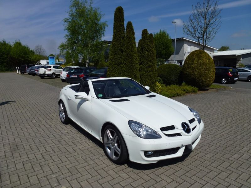 Left hand drive MERCEDES SLK CLASS SLK 200 Kompressor With Sport Pack