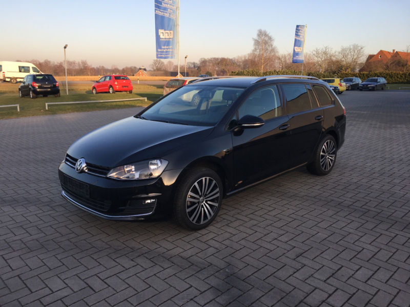 Lhd VOLKSWAGEN GOLF (08/2015) - BLACK - lieu: