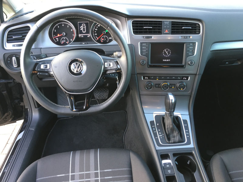 left hand drive VOLKSWAGEN GOLF (08/2015) - BLACK - lieu: