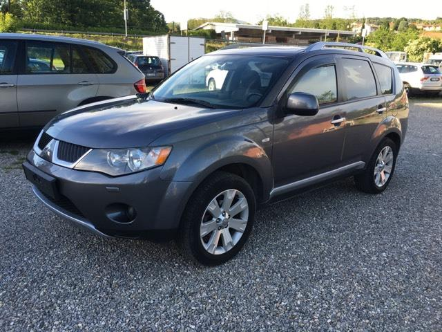Left hand drive MITSUBISHI OUTLANDER 2.2 DID INSTYL 7 SEATS