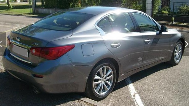 lhd car INFINITI Q50 (04/2014) - GREY METALLIC - lieu: