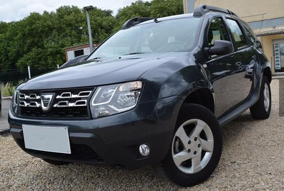 lhd DACIA DUSTER (08/2014) - BLACK METALLIC - lieu: